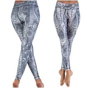 Niyama Black & White Yoga Leggings